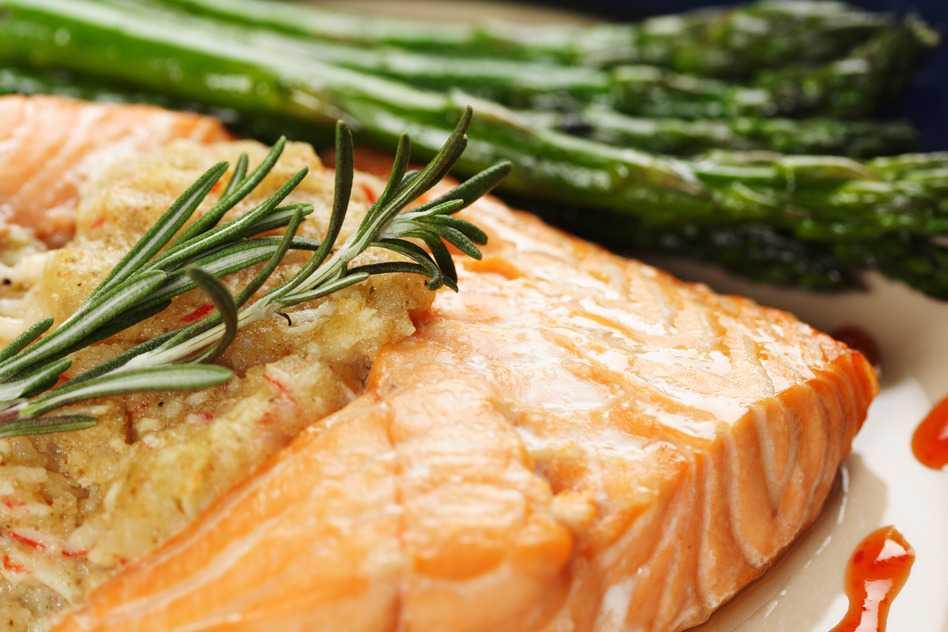 Pescado al horno la deliciosa y f cil receta original nedik - Como cocinar pescado al horno ...