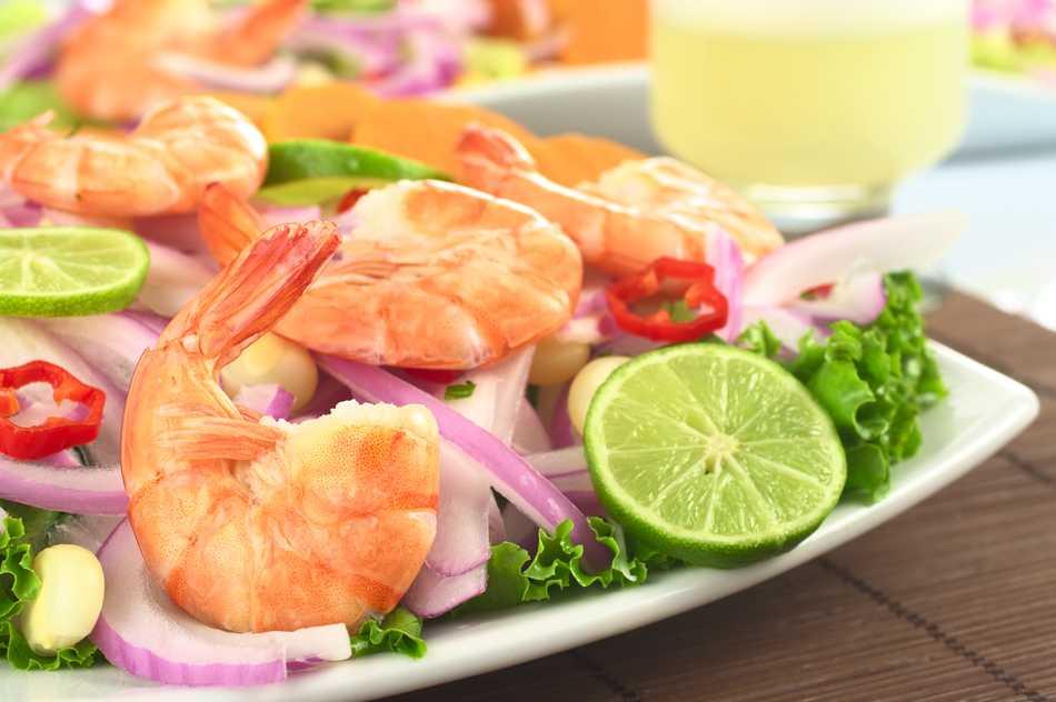 Plato con ceviche de pescado