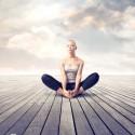 Mujer meditando